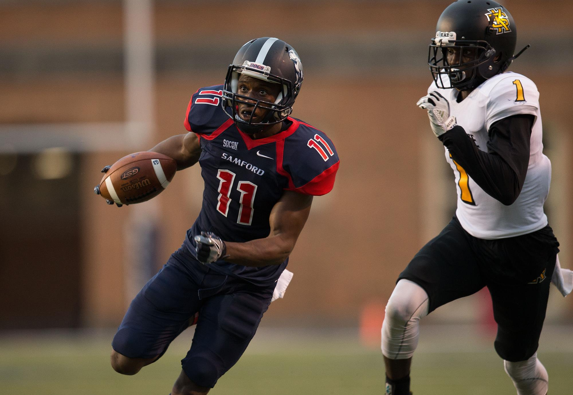Football Battles Weather Kennesaw State For 28 23 Victory Samford